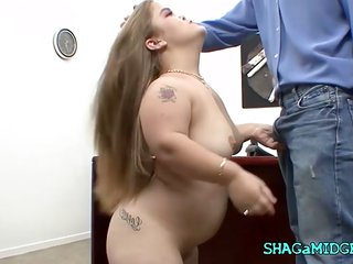 Office Fuck With Sexy Midget Babe